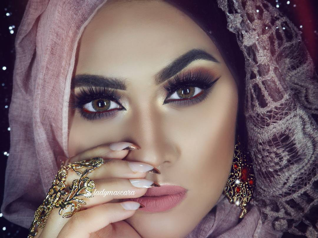 Fazmina make up artist