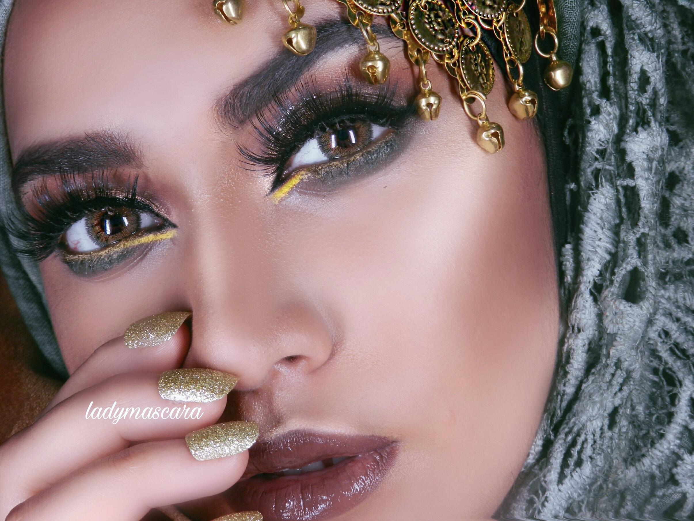 Fazmina make up artist 4